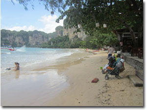 En la playa de Railay Oeste